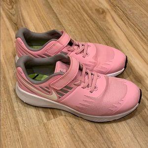 Nike Girls Pink Running Shoes, 3M